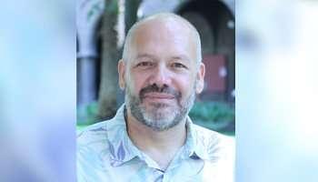 Mario Costa director